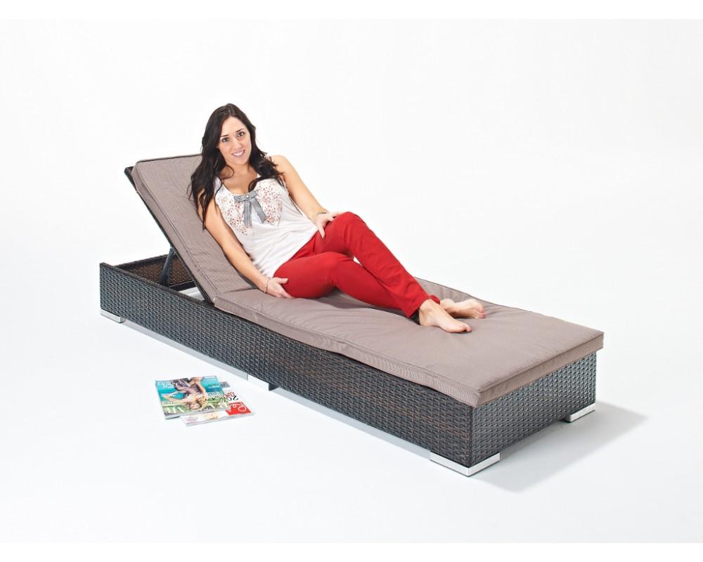 flat-base-rattan-sun-lounger